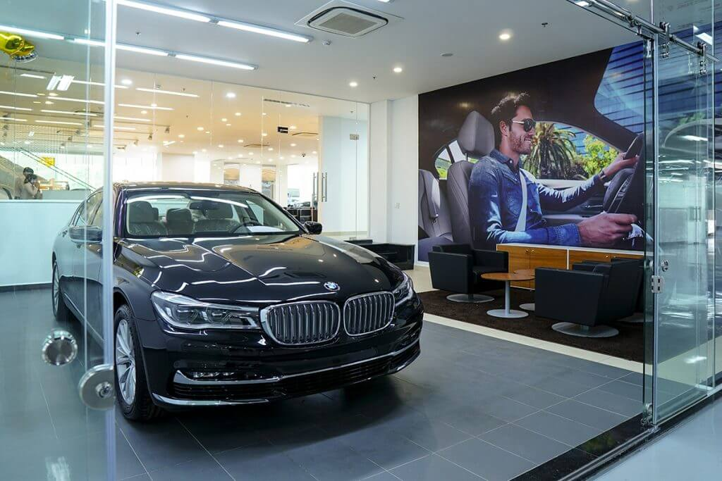 showroom-bmw-ca-mau-1